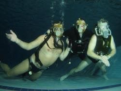 Fotogalerie - masky v bazénu